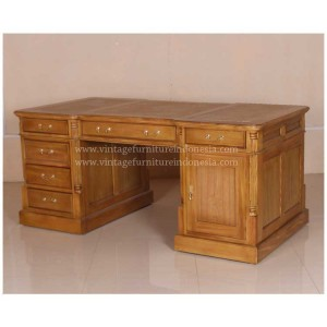 RADS-004,-PARTNERT-DESK
