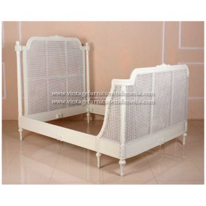RBD 01 Raisa Bed