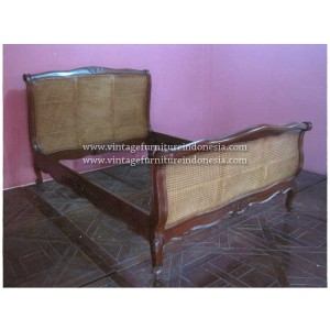 RBD 012 RAISA BED