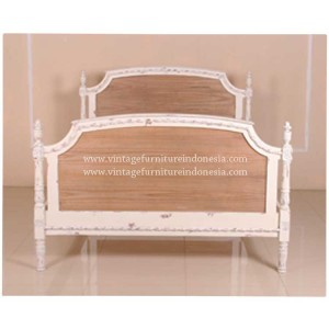 RBD-020-K,-BED-LOUIS-XV-QUEEN,-WHITE-HEAVY-MATT-DISTRESS-NO-WORMHOLE,---(4)