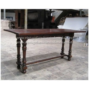 RCT 11, Raisa Coffee Table.jpg