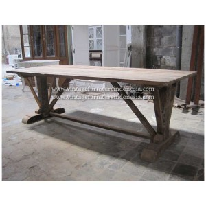 RDT 01, Raisa Dining Table
