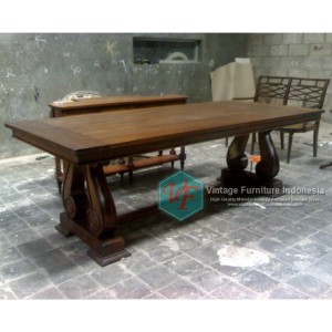 RDT-05-Raisa-Dining-Table.jpg-1024x768
