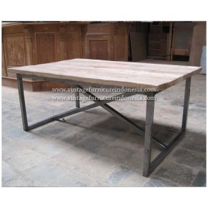RDT 08, Raisa Dining Table.jpg