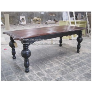 RDT 11, Raisa Dining Table.jpg